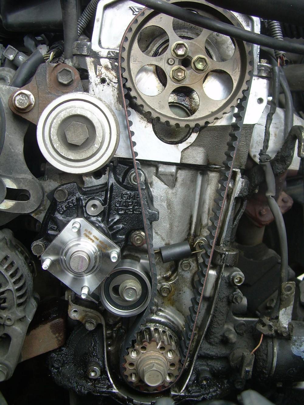 silnik z paskiem rozrządu